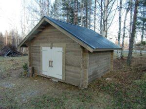 Lada 11 m² med pardörr typ bräddörrar