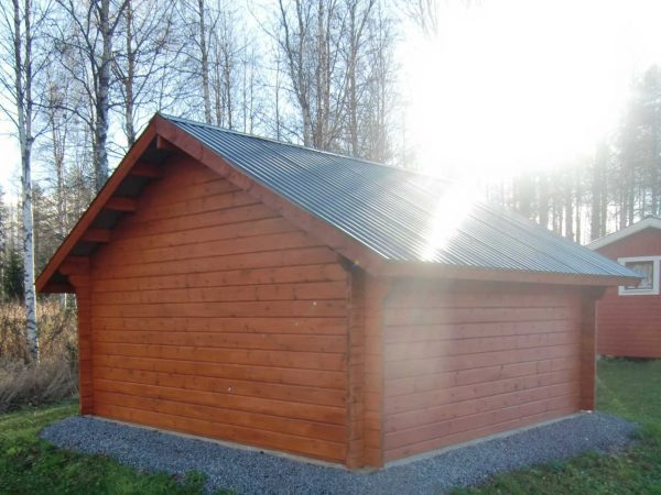 Lada 15 m² med pardörr typ bräddörrar sedd bakifrån